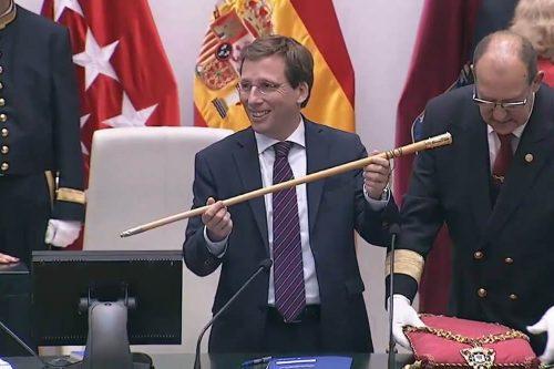 Martínez-Almeida toma la vara de mando