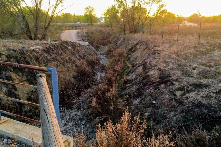 Cauce del arroyo de Rejas