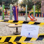 Parque infantil precintado debido a la epidemia de coronavirus