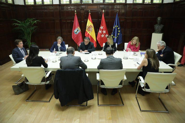 Reunión del alcalde y los Grupos Municipales