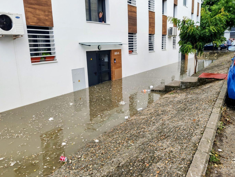 Inundación en el barrio del Aeropuerto